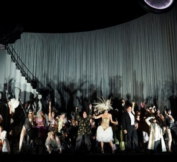 die Fledermaus, Canadian Opera Company. Photo by Michael Cooper